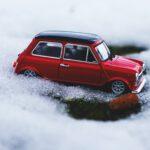 Ohjauskulmien tarkastaminen ennen talvirenkaiden vaihtoa säästää renkaita ja lisää liikenneturvallisuutta