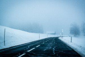 Näin hidastat talvirenkaiden kulumista – samankin auton eri renkaiden välillä voi olla valtava ero